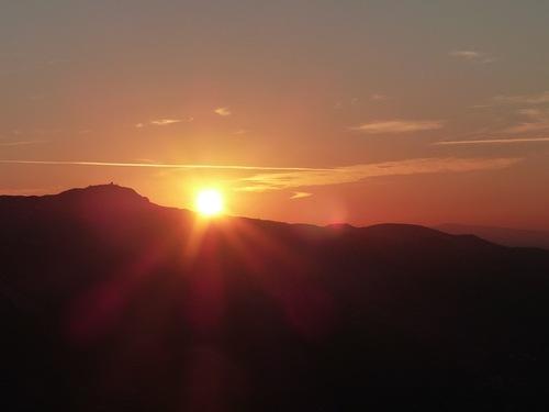 Lever de soleil au sommet de Garlaban