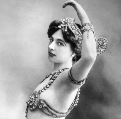 Qui était Mata Hari, danseuse de la Belle-Époque et espionne ?