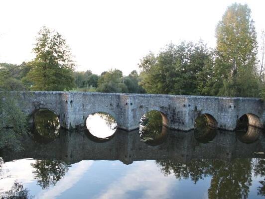 Pont du Gourgé et moulin (2)