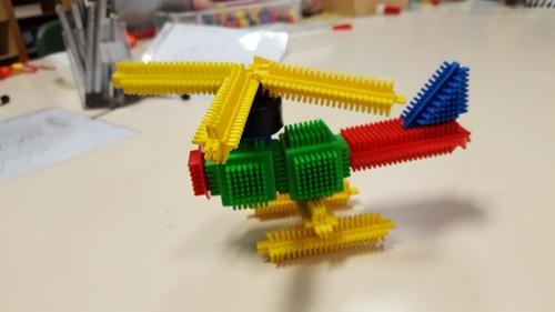 Helicoptère en clipos, fait avec fiche de construction !