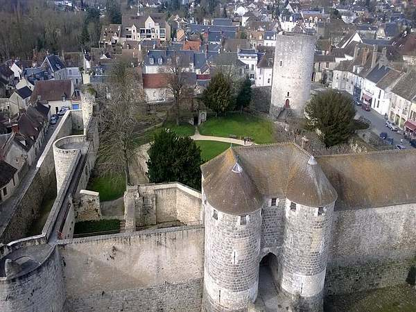 Le château de Dourdan