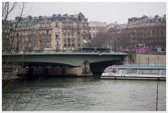 Ciel gris, brouillard, un matin parisien...