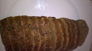 Deuxième essai de seitan : même préparation que le seitan bourguignon mais cette fois cuit au four !