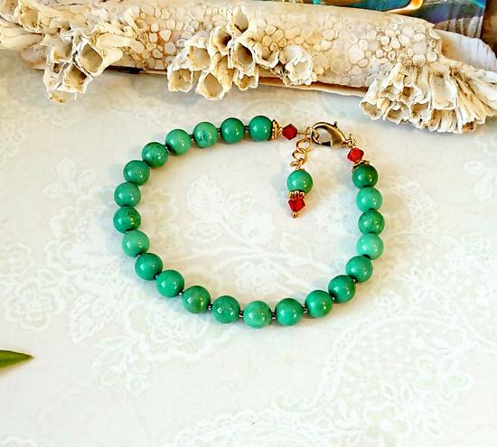 Bracelet pierre de turquoise verte naturelle / laiton doré, ajustable de 18,5 à 19,5 cm - green turquoise bracelet / laiton doré