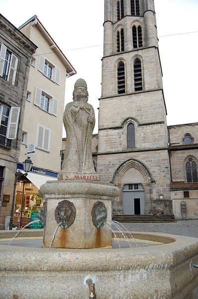 File:Statue de saint Martial à Limoges.JPG