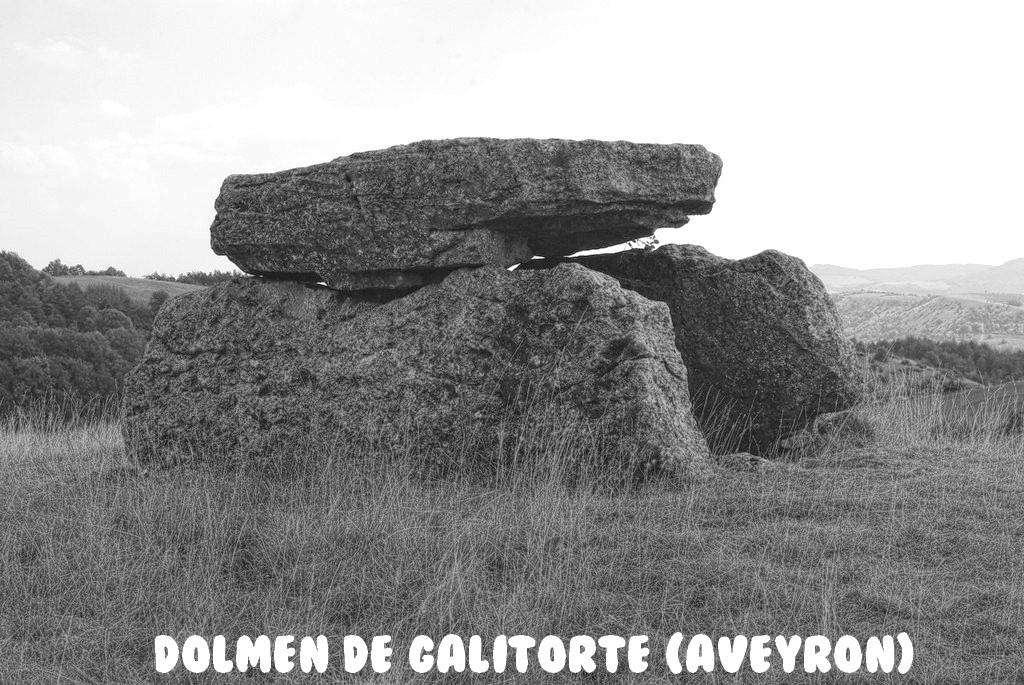 DOLMEN DE GALITORTE (AVEYRON)