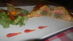 Feuilleté au saumon et asperge verte sauce au chaource