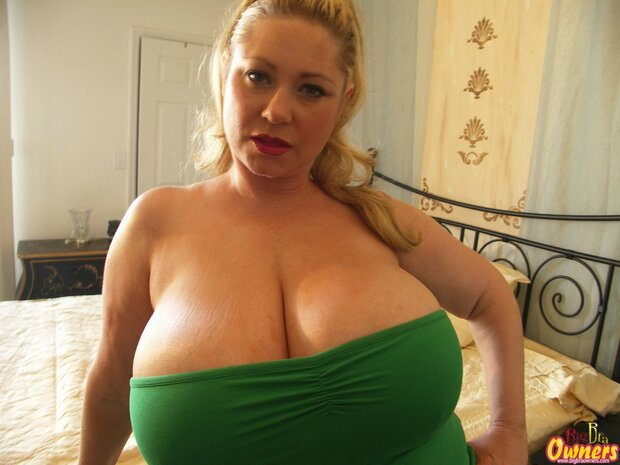 "BigBoobs - Samantha ""38G"" Anderson - 9 -"