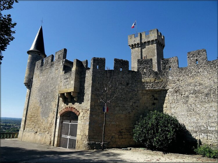 Photos du château de Sainte Croix du Mont