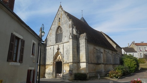 Saints-en-Puisaye (89)