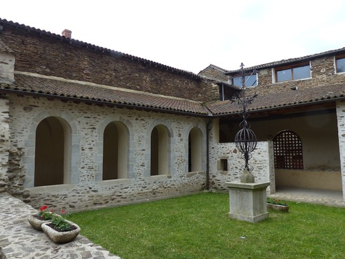 Abbaye de Sainte Croix en Jarez (42)