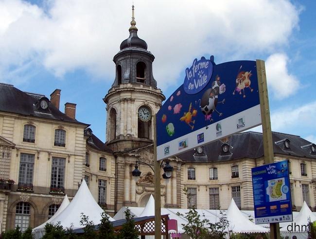 La Mairie de Rennes ( Bretagne - Ille et Vilaine).