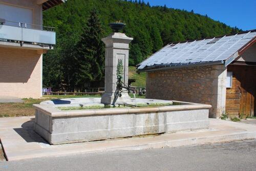 Et sa fontaine
