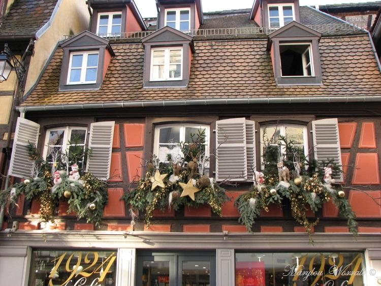 Au temps des marchés de Noël : Colmar Place de la Mairie etc.
