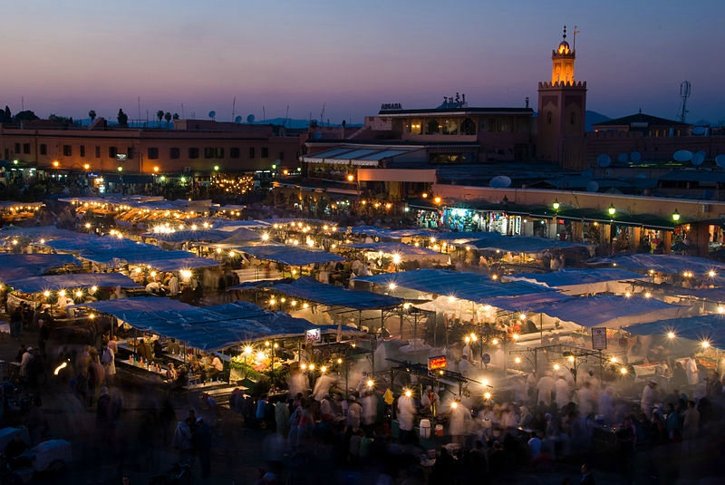 800px-Djemaa_El_Fna_at_sunset_(2362267954)