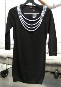 robe noire perles