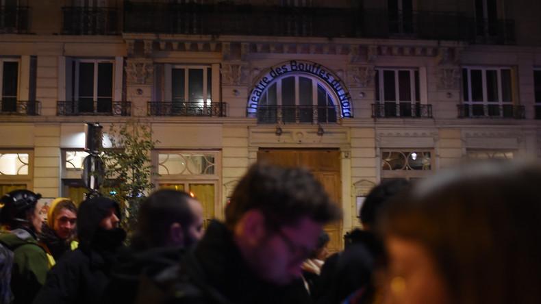 Taha Bouhafs arrêté après avoir signalé la présence de Macron au théâtre, la gauche s'insurge