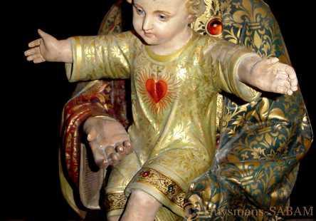 détil d'une statue polychrome après restauration - Arts et sculpture: artistes peintres, sculpteurs