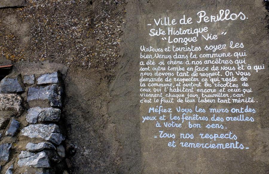 Le village abandonné de Périllos...