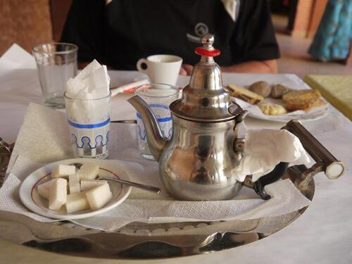 café, thé et petits gâteaux