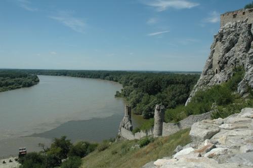 Danube et Morava Chateau de Devin