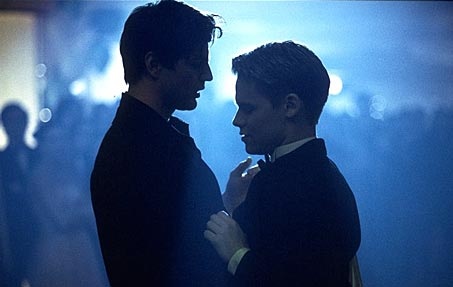 http://www.cinemaqueer.com/movie%20images/qaf99.jpg