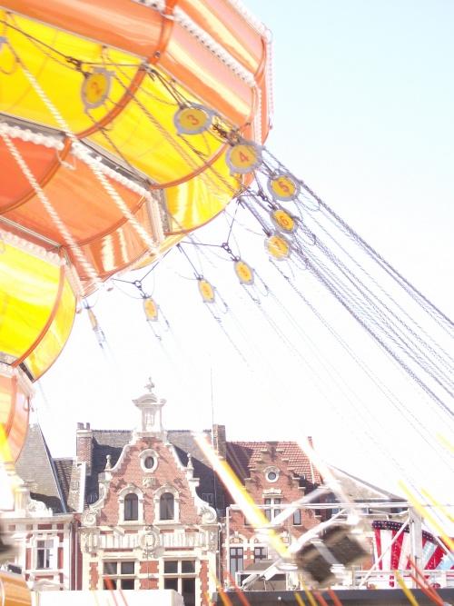 chaises volantes sur la grand place