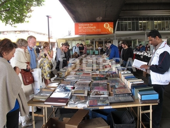 833865-thames-south-bank-book-stalls-bfi
