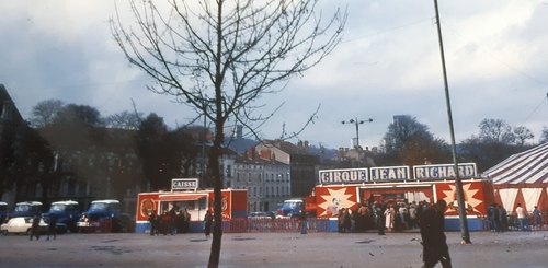 façade du cirque Jean Richard en 1979 ( archives Bruno Lagarde)