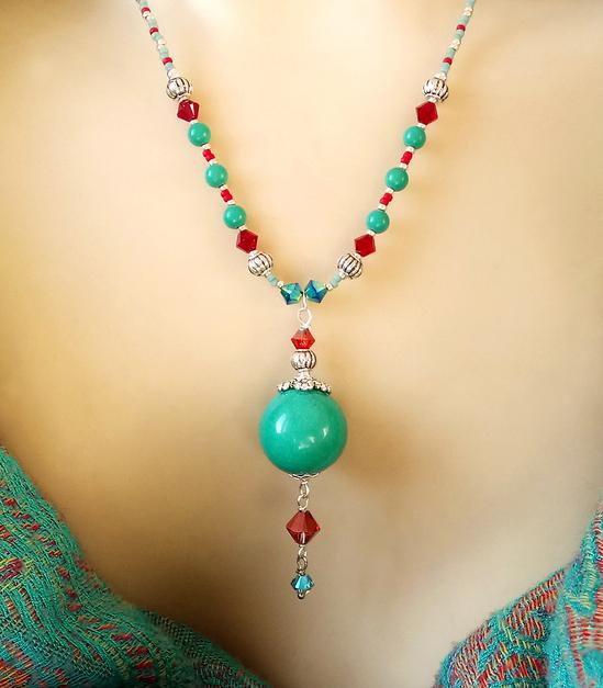 Collier pendentif pierre de turquoise verte et cristal de Swarovski / Plaqué argent
