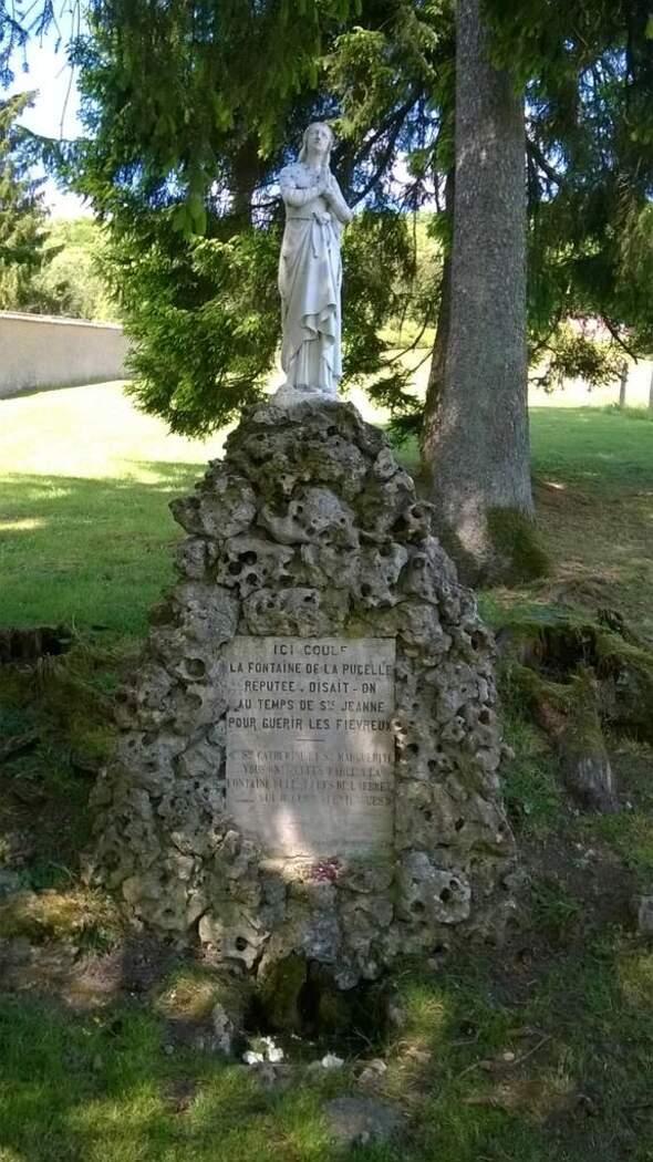 Fontaine De Jeanne D'Arc, Domrémy, Vosges, France