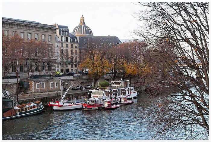 Longer la Seine entre Saint Michel  et le Musée d'Orsay. Paris  02