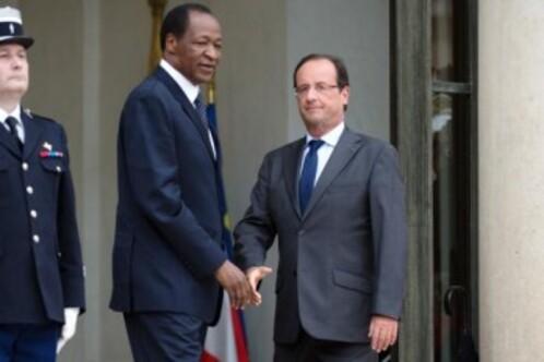 Un million de burkinabés dans la rue. Le dictateur Blaise Compaoré, assassin de Sankara, chassé du pouvoir !
