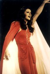 9 mai 1976, une robe mythique NOUVEAUTES