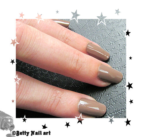Test vernis taupe Yves rocher