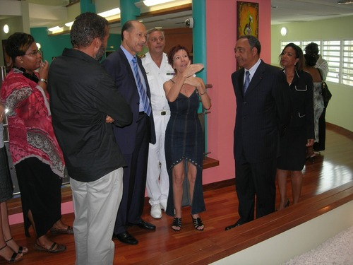 Monsieur Frédéric Mitterrand Ministre de la Culture - exposition Margot Asphe