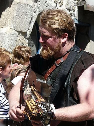 Medievales-Guerande-musicien-1260743.JPG