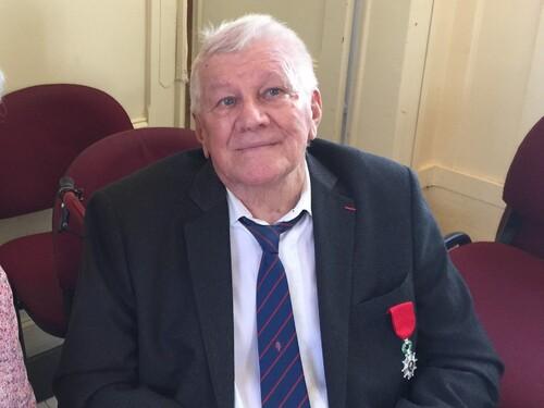 * Mr Wladislas PICUIRA promu au grade de Chevalier de la Légion d'Honneur