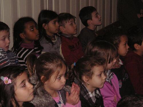 Les CP de Mulsant en visite à l'école maternelle deux faubourgs