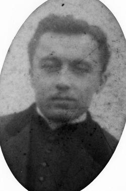 Un prêtre originaire de Saint Médard