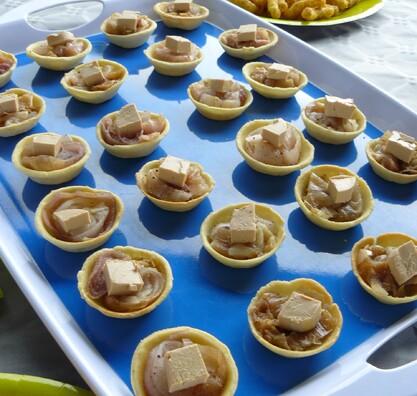 Tartelette à l'échalote confite au cidre et foie gras