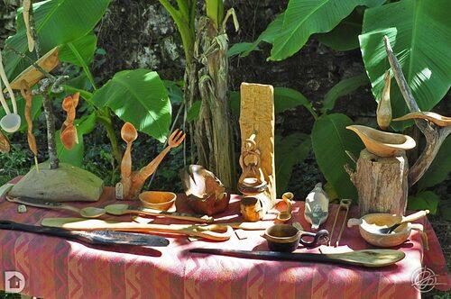 Cuillères et objets en bois de filR