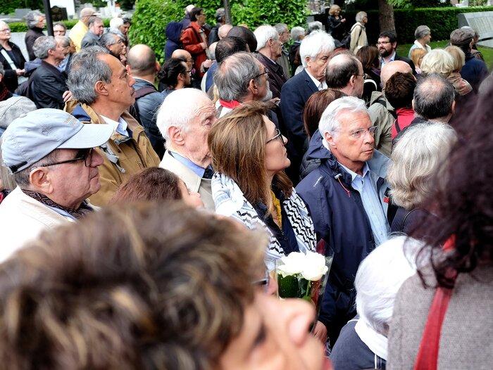 Hier après-midi au Père Lachaise ! une belle et émouvante cérémonie en hommage à maurice et josette audin