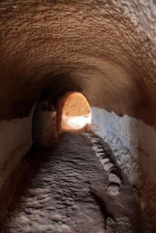 Tunnel d'entrée d'une maison troglodyte