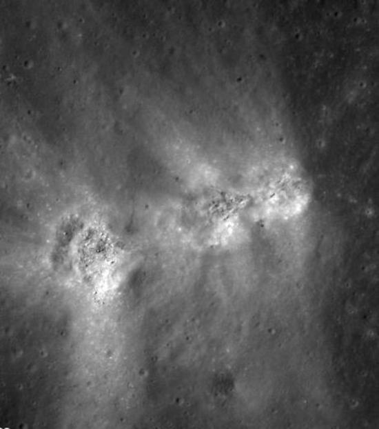 les-trois-crateres-observes-a-la-surface-de-la-lune_56828_w