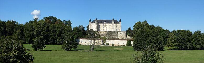 Le château de la Rochandry près de Mouthiers-sur-Boëme - Septembre 2015.jpg