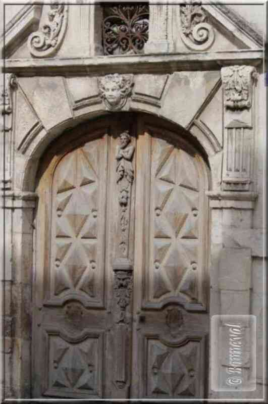 La Rochelle belle porte rue Gargoulleau