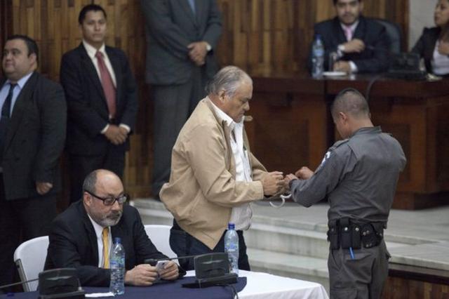 Un ancien chef policier condamné à 90 ans de prison