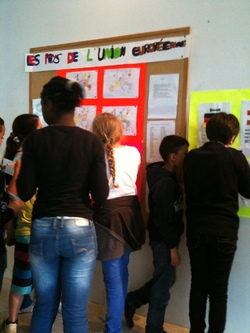 Belle exposition de 4 élèves sur l'Union européenne