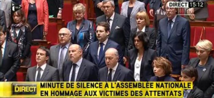 Pour la première fois depuis le 11 novembre 1918 les députés ont chanté la Marseillaise à l'Assemblée Nationale La Marseillaise entonnée par tout l'hémicycle mardi à l'Assemblée lors de l'ho